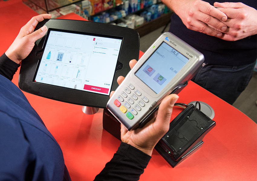 Guide to accepting debit & credit card machine payments – Sage Pay